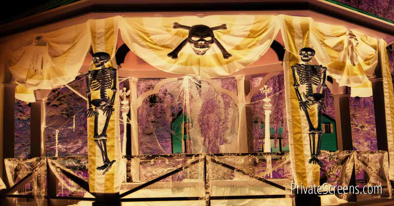 http://privatescreens.com/wp-content/uploads/2015/10/Spooky-Halloween-Decorating-Ideas-for-Your-Gazebo.jpg