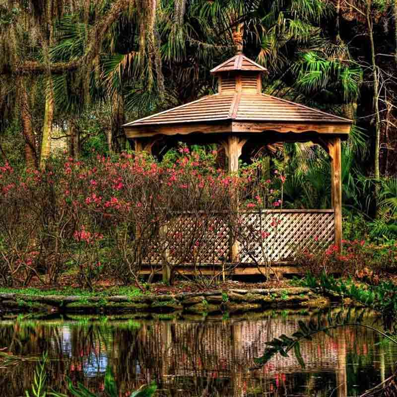 10 Gorgeous Gazebos that Feel Like a Dream Getaway-Down on the bayou