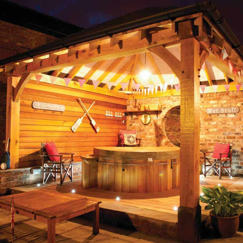 10 Gorgeous Gazebos that Feel Like a Dream Getaway-Mountain lodge