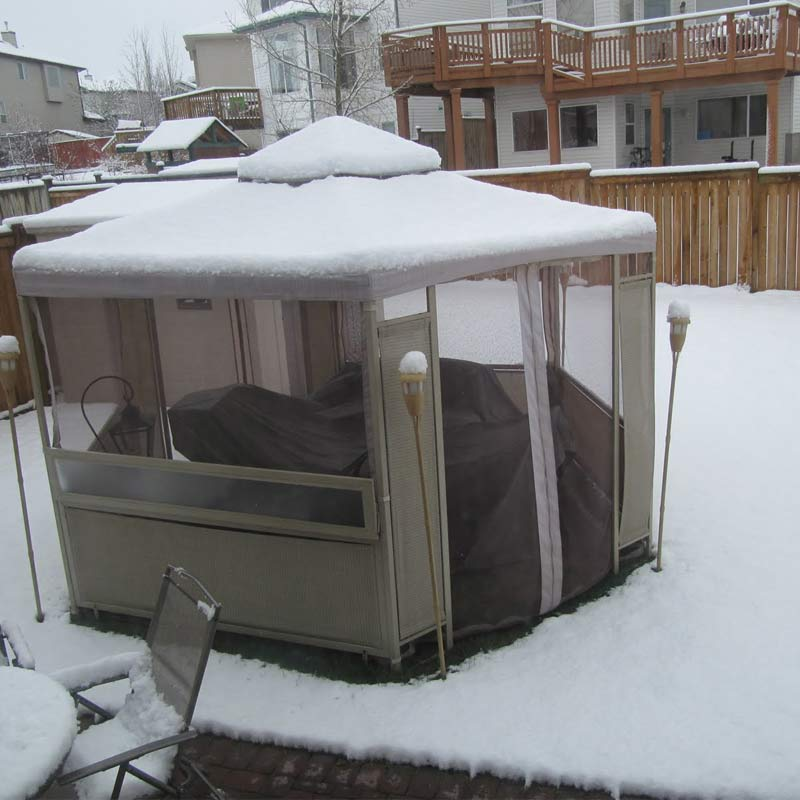 Winter Wonderland: How to Stay Warm While Enjoying Your Gazebo This Winter-Cover up