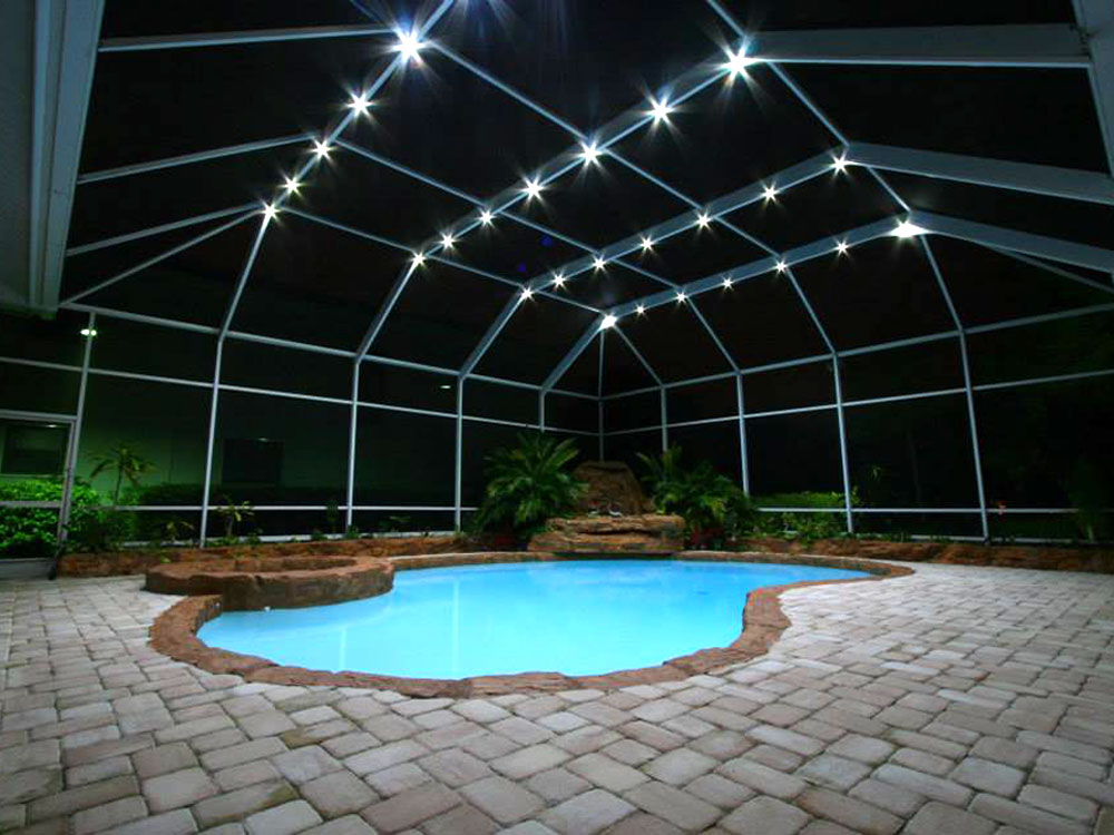 Lighting for Pool privacy screen