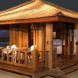 10 Gorgeous Gazebos that Feel Like a Dream Getaway-Luxury on the water