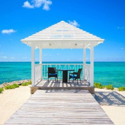 10 Gorgeous Gazebos that Feel Like a Dream Getaway-Sand and sea